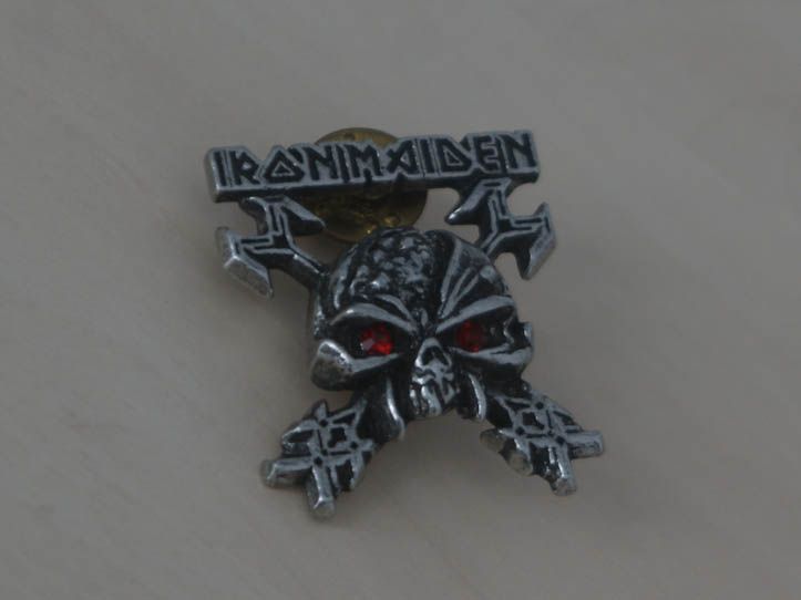 iron maiden - the final frontier cross keys pewter badge pin