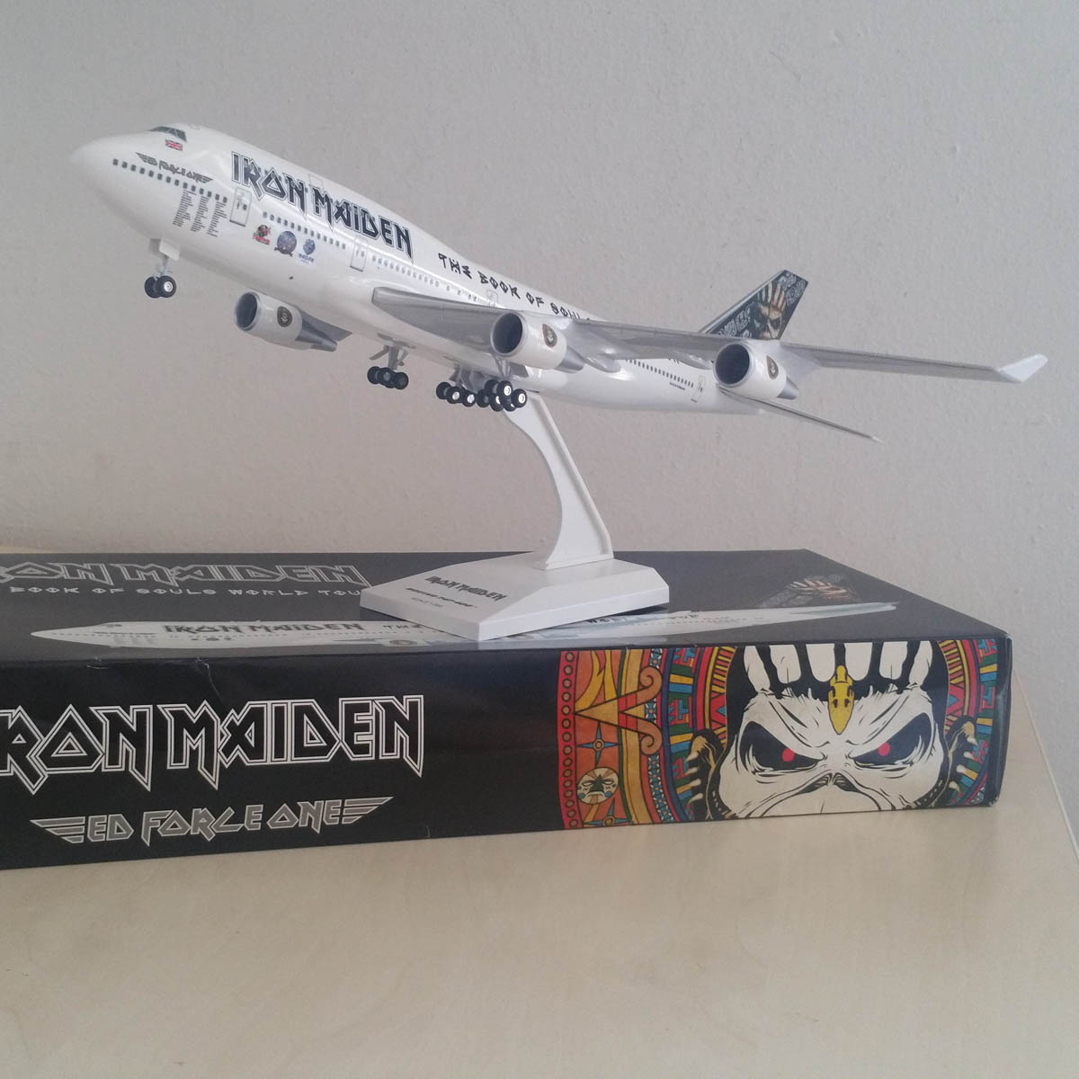 iron maiden - ed force one model 1/200 - iron maiden collector
